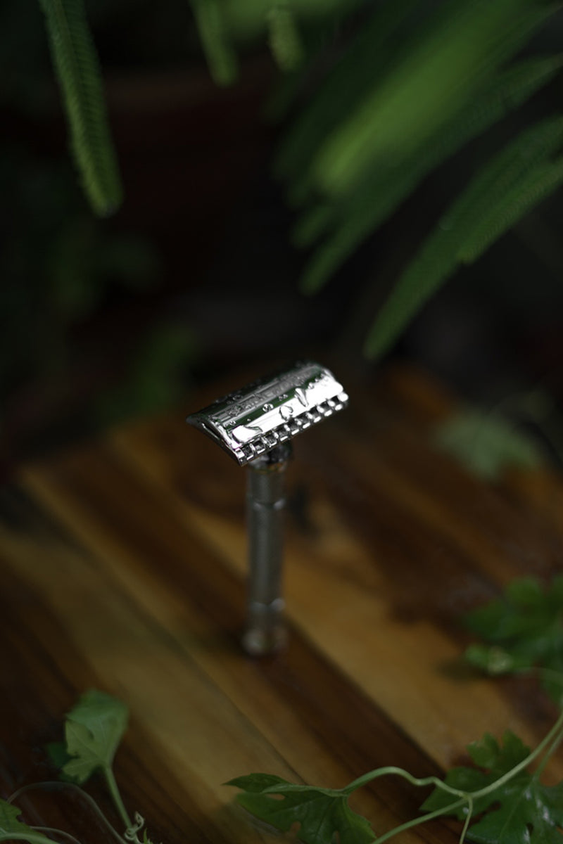 Pink Woolf Open Comb (DE) Safety Razor – Omega OC70 (Chrome)