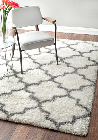 Rectangular Shag Rug w/ Classic Design in Ivory (Multiple Sizes Available)