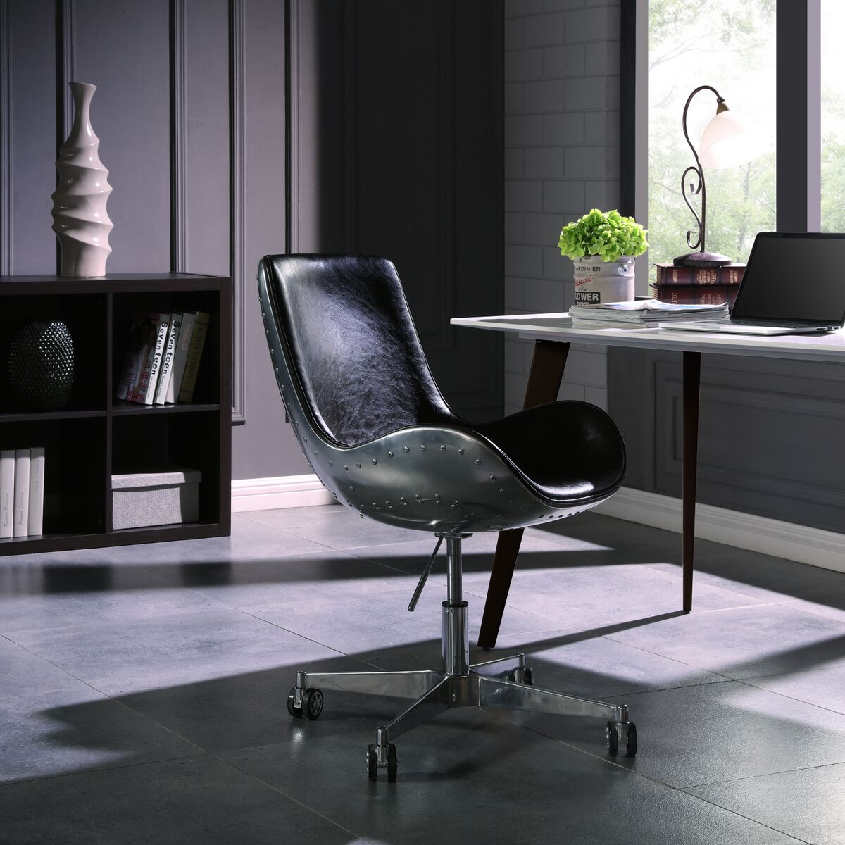 Stylish Distressed Caramel Office Chair in Scoop Style