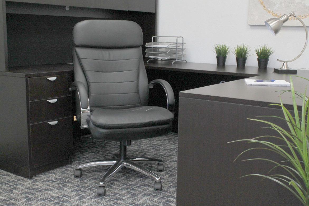 Rolling Office Chair in Black Faux Leather w/ Horizontal Lines