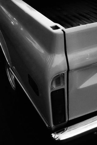 Foreign pickup truck trunk cover