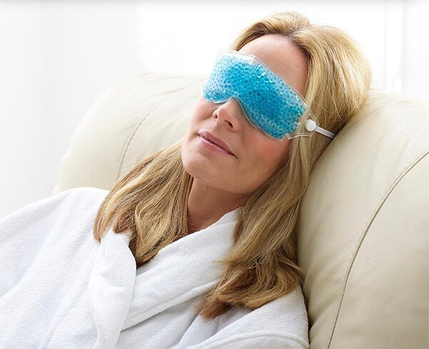 4 Reasons to Sleep with a Cooling Eye Mask