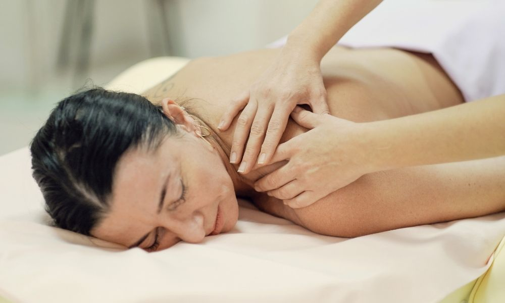 Tell-Tale Signs Your Body Needs a Deep Tissue Massage
