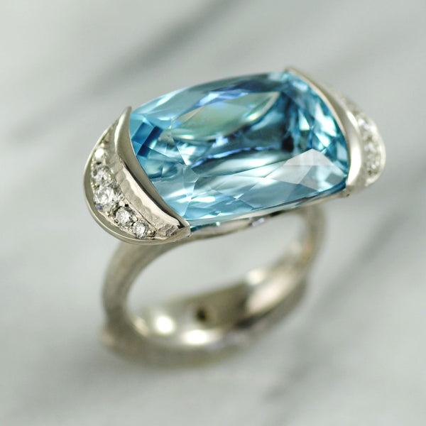 Aquamarine (19.05ct) Platinum Ring