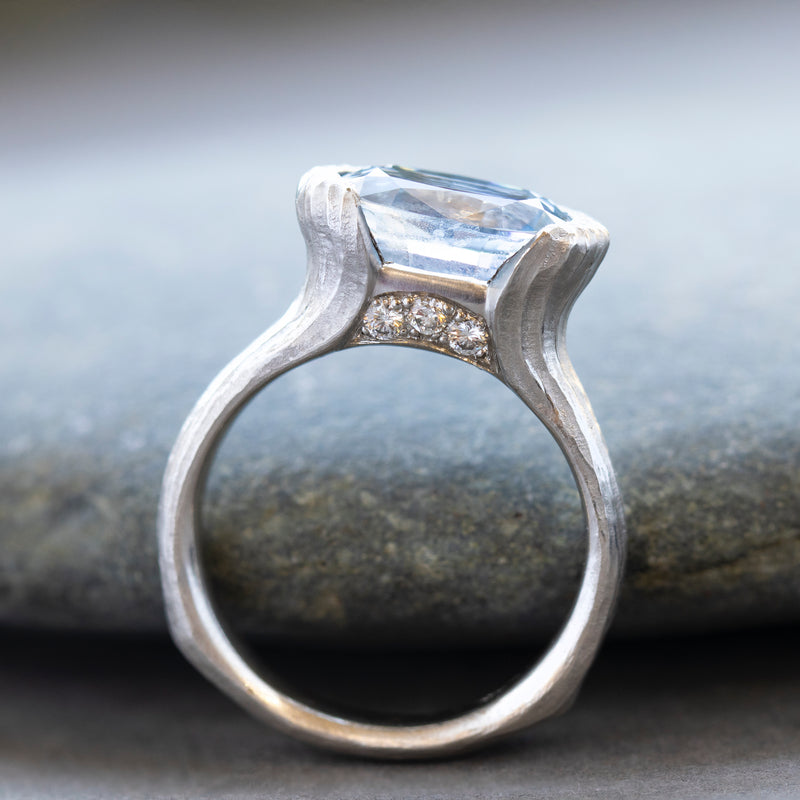 Light Blue Sapphire (5.60ct) Ring with Diamonds in Platinum