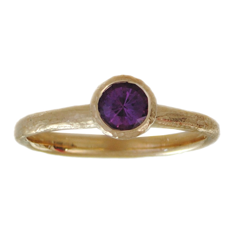 Purple Sapphire (0.56ct) Ring in 18K Gold