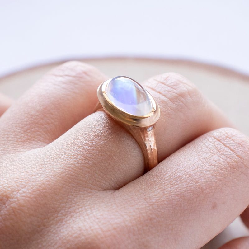 Moonstone (5.10ct) Ring with Diamonds in Rose Gold