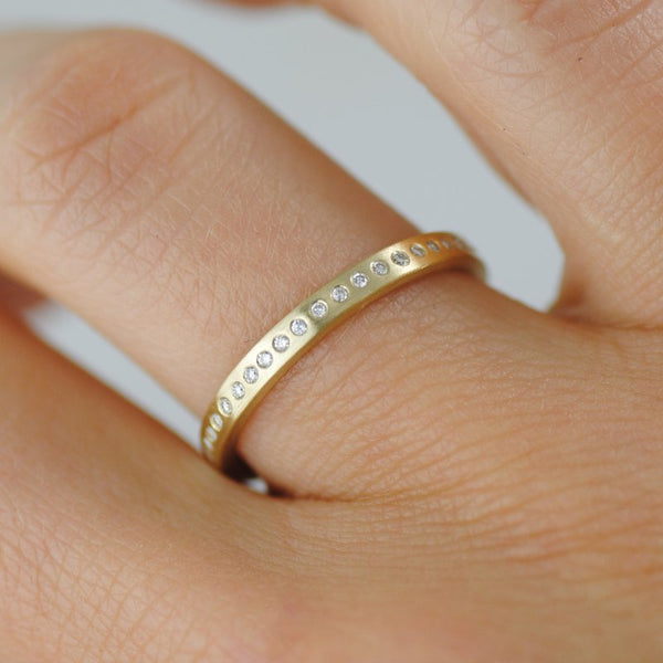 18K Gold Band with 44 Flush-Set Diamonds (0.22ctw)