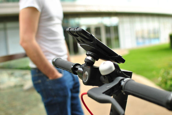 Universal phone holder mount on handlebar