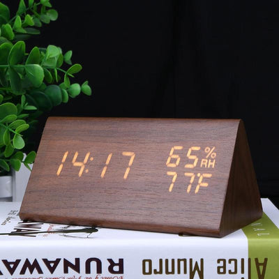 Led alarm clock with thermometer exposed