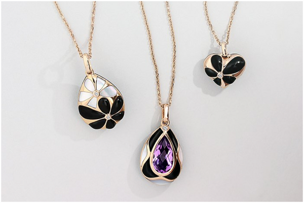 whitby-jet-blossom-necklaces