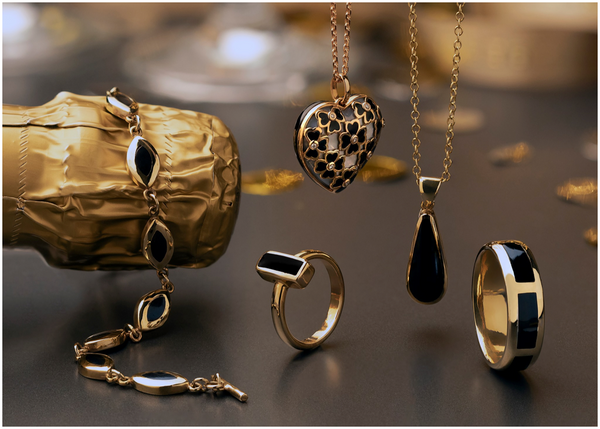 yellow-gold-whitby-jet-jewellery
