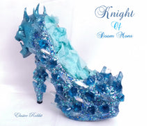 Carica l'immagine nel visualizzatore di Gallery, Knight of Doom Mons Heels Blue crystal Quartz Diamond Custom Hand Sculpt Kraken Shoe Size 3 4 5 6 7 8 Glitter Fantasy Bridal Wedding