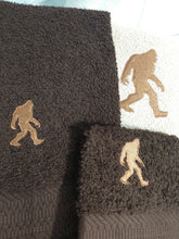 Load image into Gallery viewer, Big Foot Towel Set
