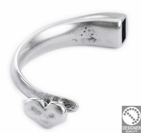 Half bracelet with heart 59x26 mm, diam. 8 mm