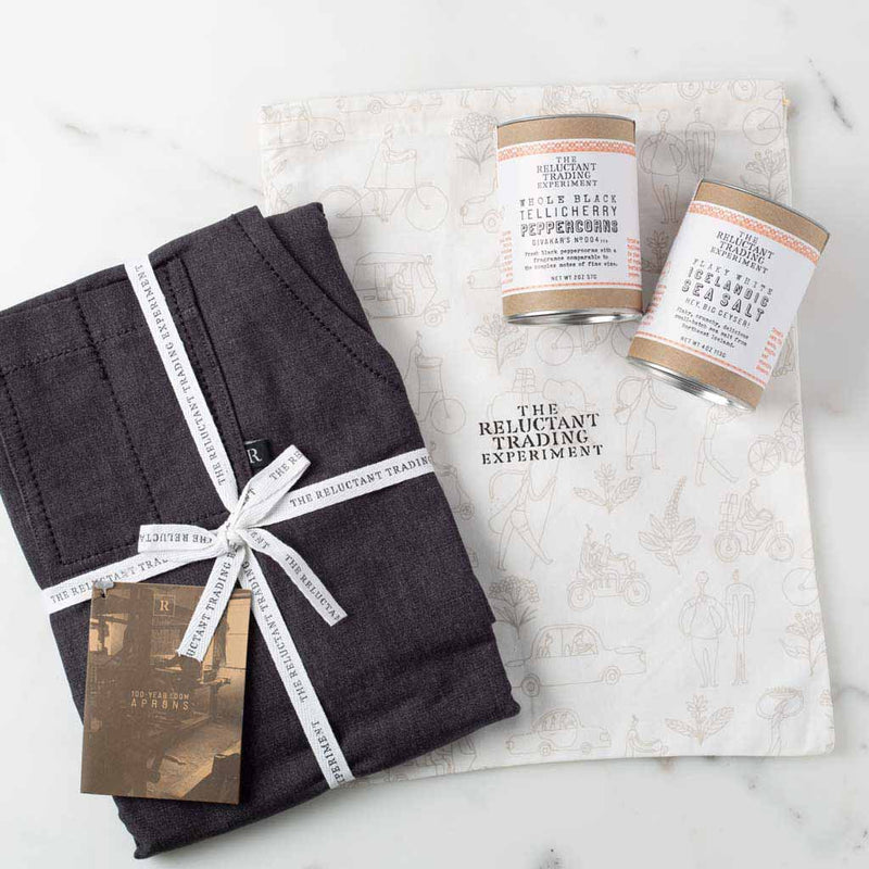 Charcoal Chef Apron + Tellicherry Pepper & Icelandic Salt Gift Set