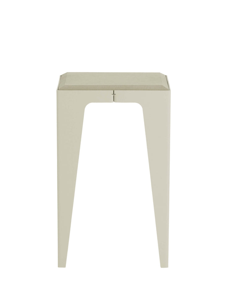 Hocker Chamfer in silky-grey, Wye