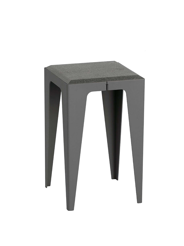 Hocker Chamfer in slate-black, Wye