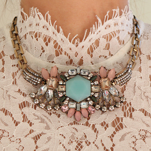 Retro Dame Necklace - Statement Necklace -   - 4