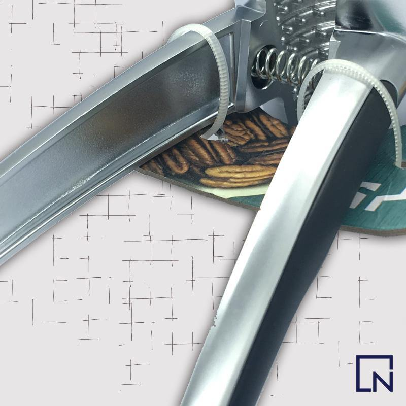 Stainless Steel Nut Cracker - HandynTrendy Shop