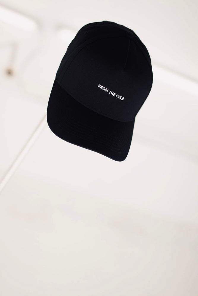 Strapback X FROM THE COLD