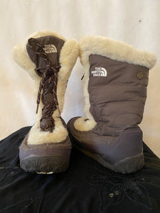 North Face winter boot - Size 8
