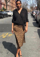 Load image into Gallery viewer, Leopard Pencil Skirt