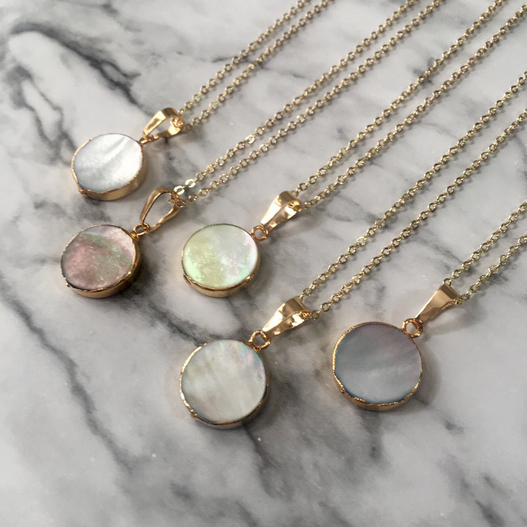 Dainty Mother of Pearl Pendant Necklace