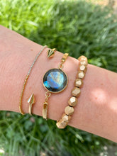 Load image into Gallery viewer, Gold Labradorite Bracelet