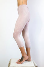 Load image into Gallery viewer, Venus Bamboo Performance Legging- Shiitake Mushroom