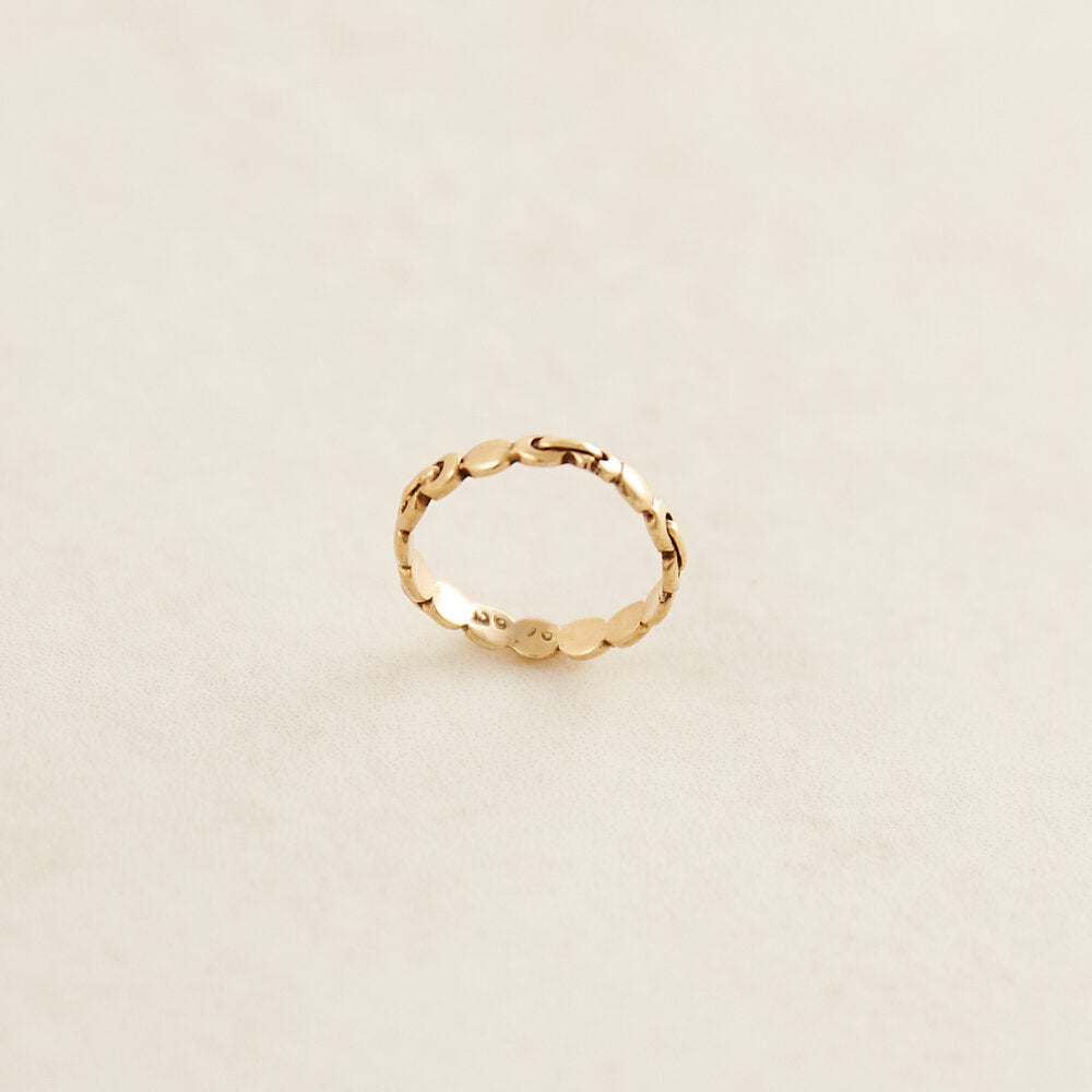 Petite Victorian Chain Ring