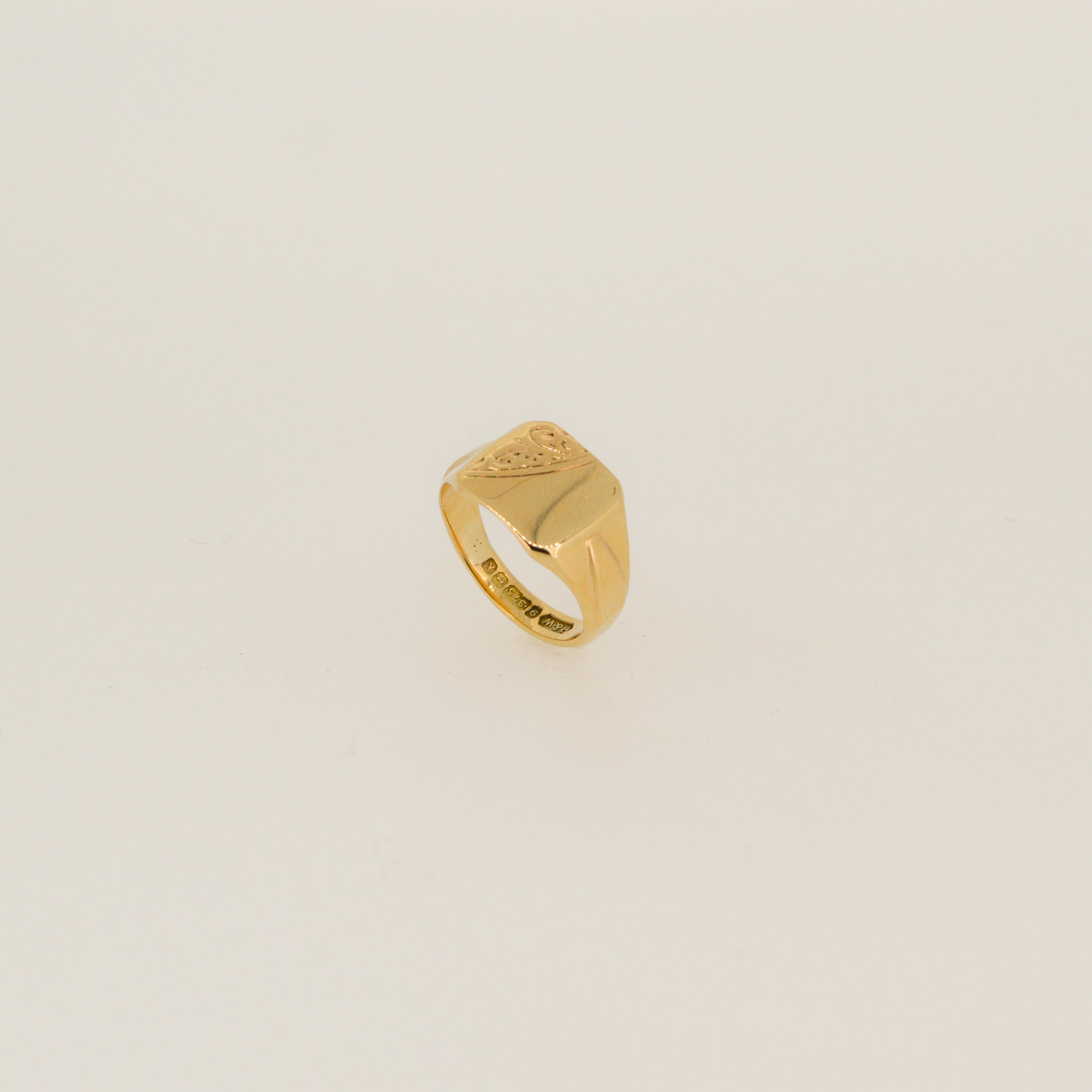Part Patterned Signet Ring