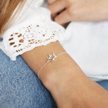 Load image into Gallery viewer, Interlocking Stars Bracelet