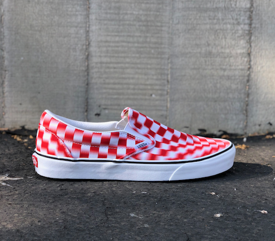 CLASSIC (BLUR CHECK) SLIP-ON - TRUE WHITE/RED