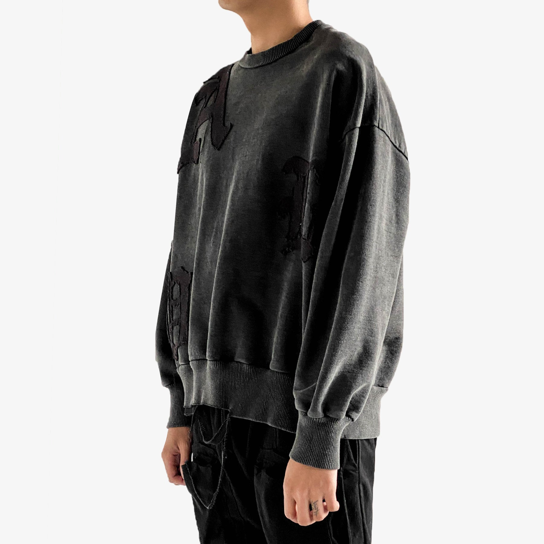 OLD ENGLISH ANTHRACITE CREWNECK