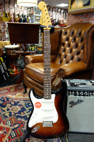 Squier Classic Vibe '60s Stratocaster Left-Handed 3-Color Sunburst