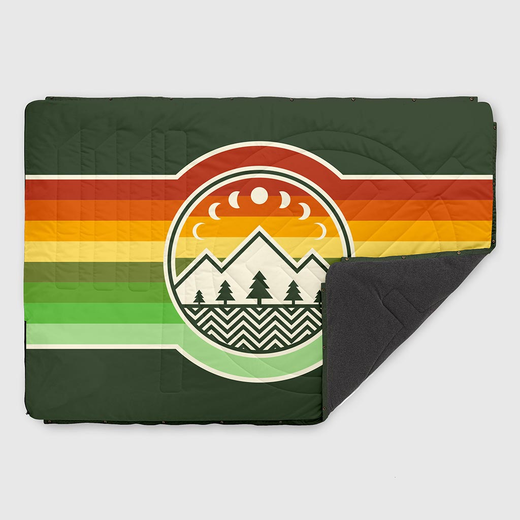 VOITED FLEECE OUTDOOR CAMPING BLANKET CAMP VIBES TREE GREEN