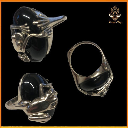 BLACK ONYX RING SIZE=Q  SET IN.925 STERLING SILVER FROG SETTING SIZE UK=Q