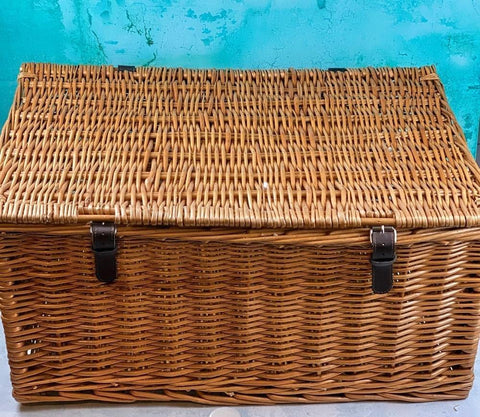 "24"" Wicker Hamper"