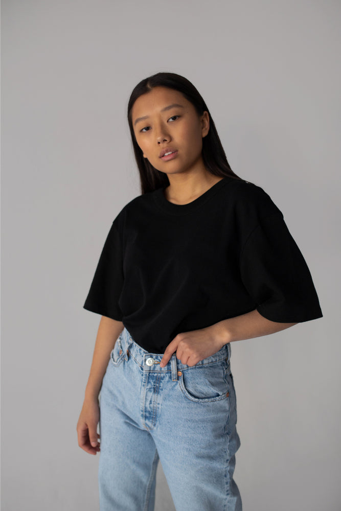 BLACK T-SHIRT OVERSIZED