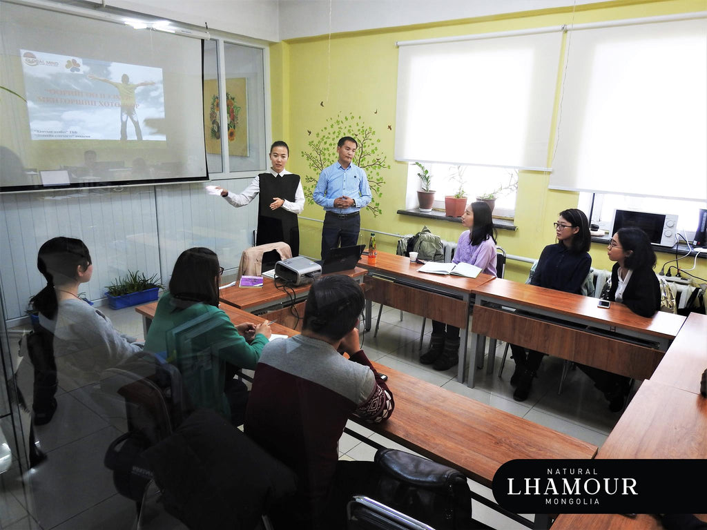 """lhamour founder Khulan Davaadorj at """"Finding your passion"""" workshop"""