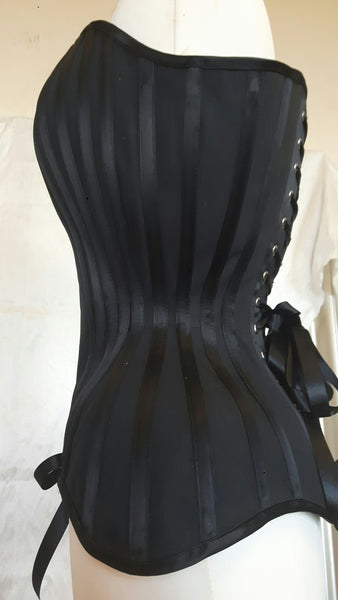 Deluxe overbust black corset in matt and satin coutil