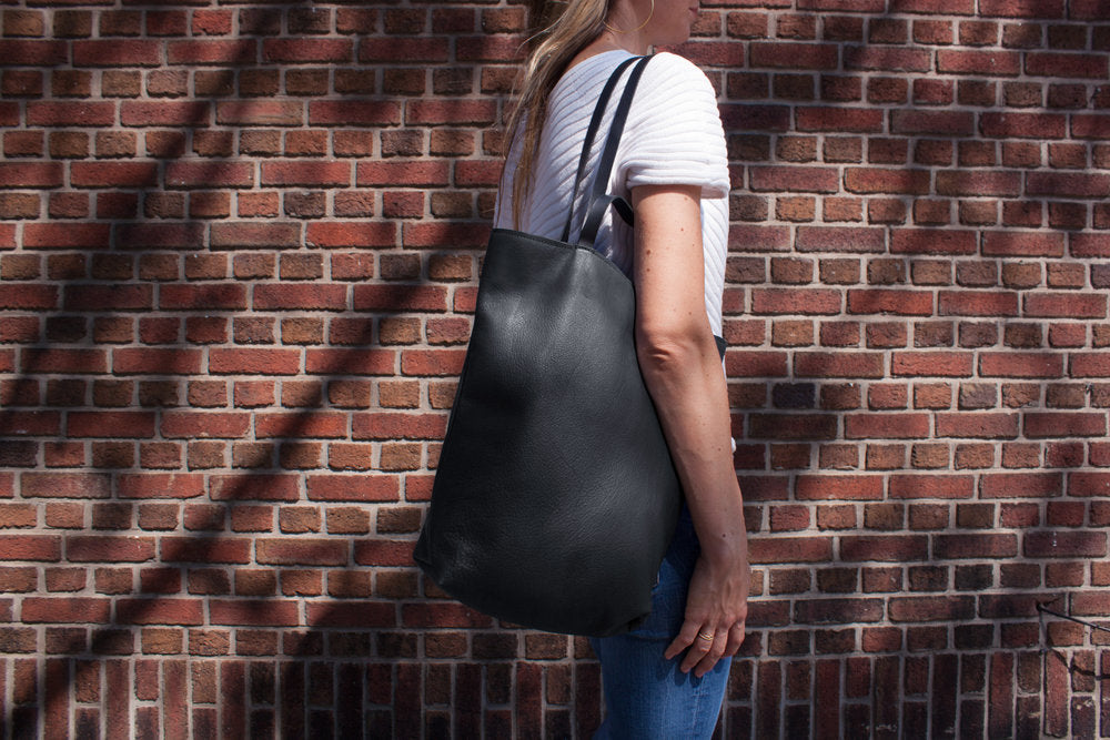 Assam Capsule Simple Tote