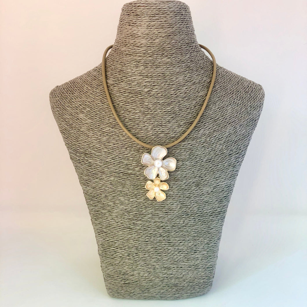 Necklace with Double Daisy Charm Gold and Silver - Little Gems Interiors