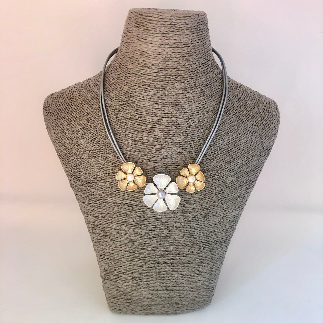 Daisy Necklace - Silver & Gold Tones - Little Gems Interiors
