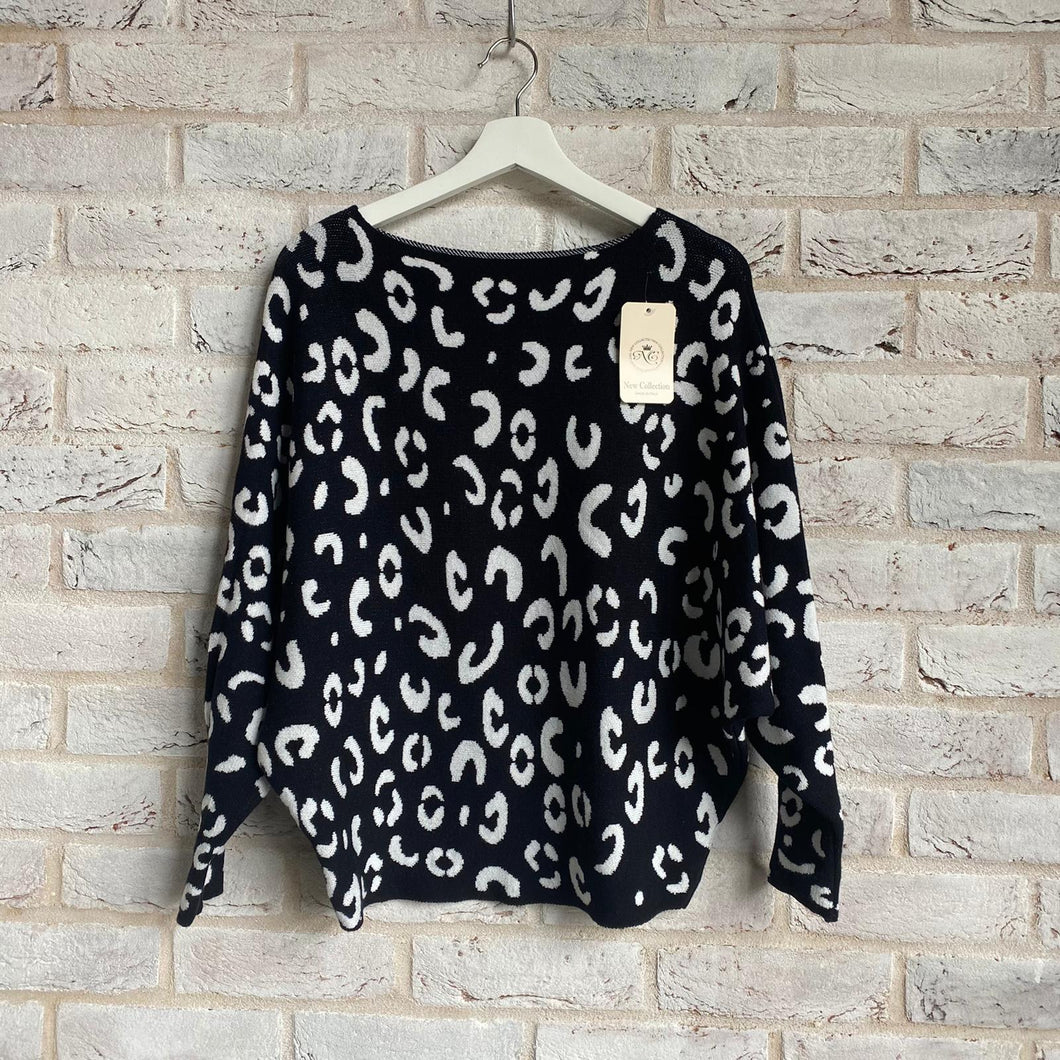 Leopard Print Batwing Top - Little Gems Interiors