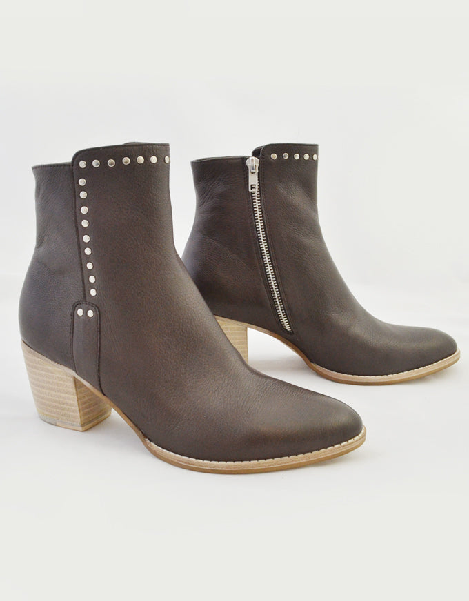 The Bristing Ankle Boots in Chocolate Leather.