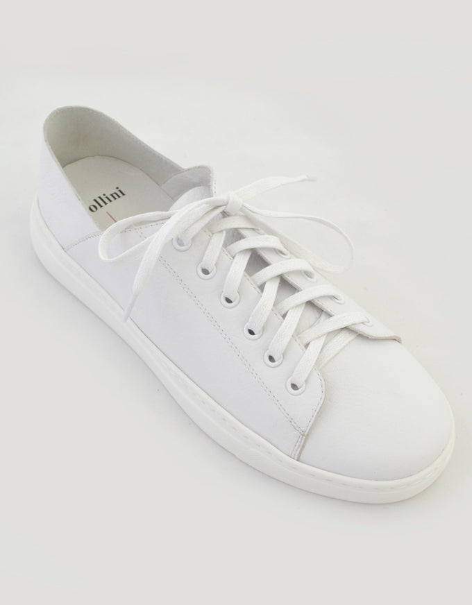 The Oskher Sneakers in White Leather.
