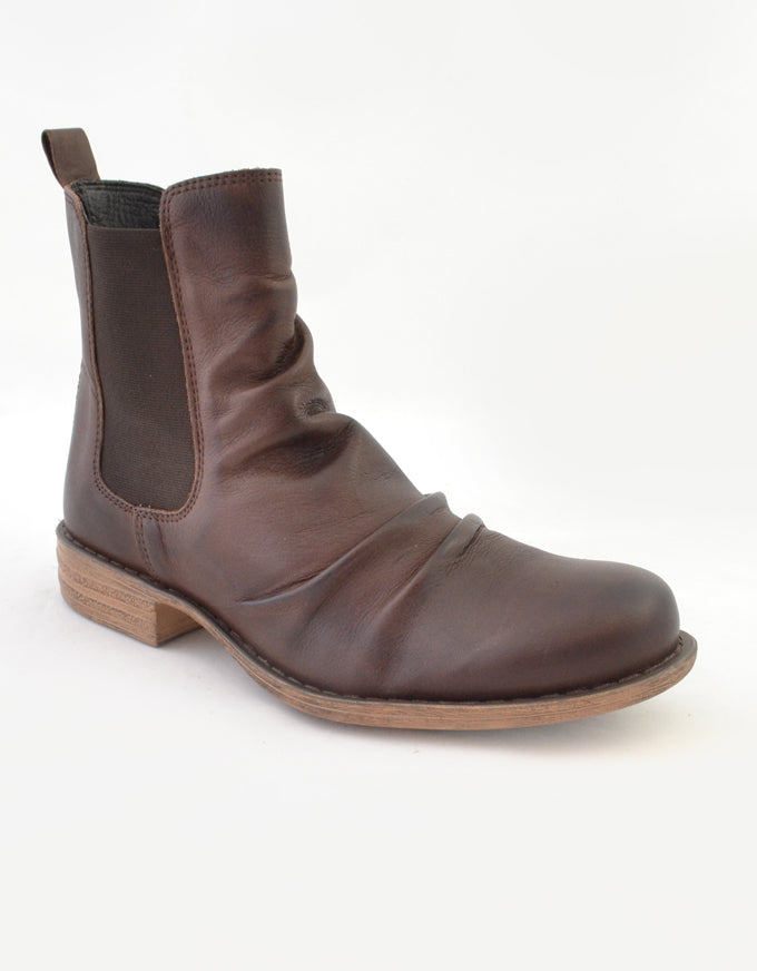 Willo Ankle Boots Chestnut.