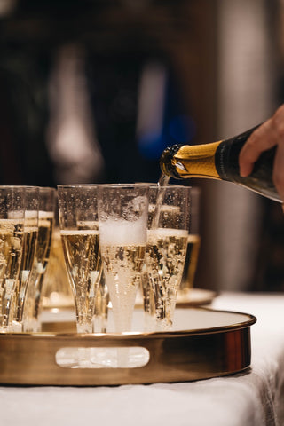 How much alcohol is in champagne and sparkling wine?